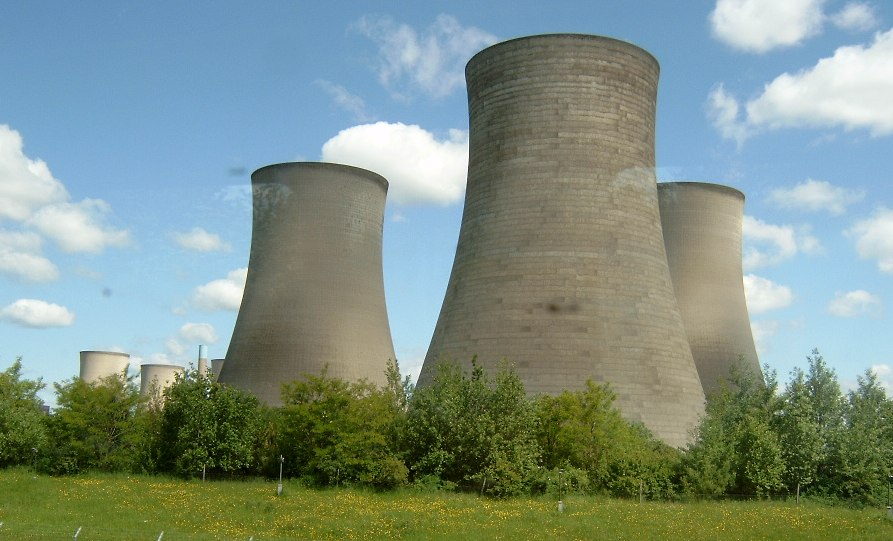 Didcot_power_station_cooling_tower_zootalures